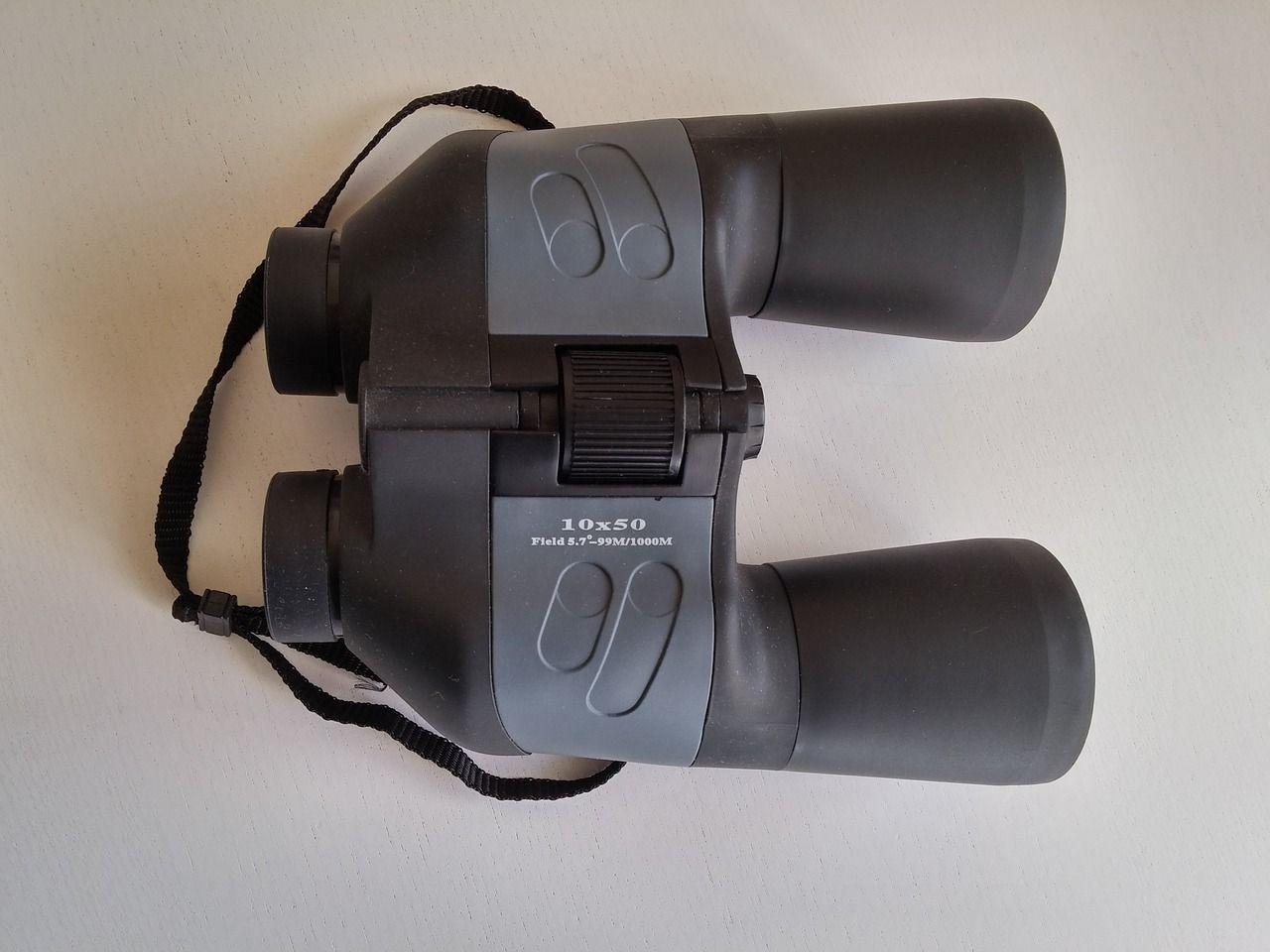 best-hunting-binoculars-under-200