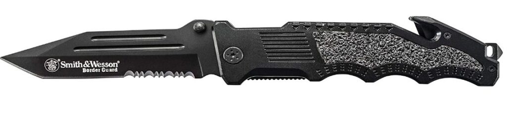 Best Neck Knives For Safety & Protection